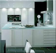 verre de cuisine plan de travail cuisine en verre maison design bahbe com