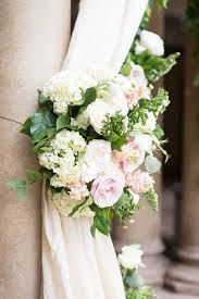 Cheapest Flowers For Centerpieces by A Celebrity Florist U0027s Guide To The Best Wedding Flowers Of 2016