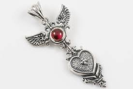 wings and cross cabochon ruby silver pendant pt 095