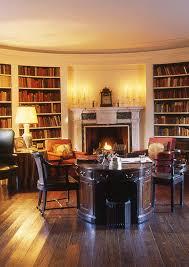 bureau oui oui oval library manor house at ladew gardens bureau au milieu de la