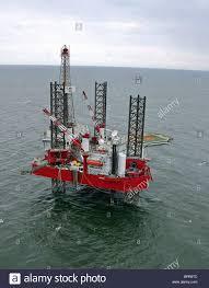 mobile drilling platform stock photos u0026 mobile drilling platform