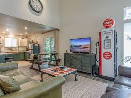 2 north end stylish remodeled retreat gre vrbo