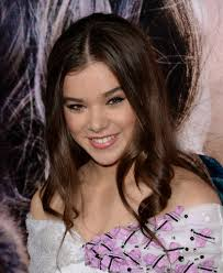 romeo and juliet hairstyles hailee steinfeld romeo and juliet premiere 02 gotceleb