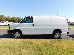 2017 new chevrolet express cargo van rwd 2500 135