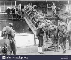 the united states army in england 1918 q48369 stock photo