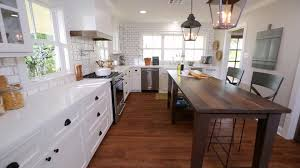 chip and joanna gaines contact fixer upper u0027design on her mind u0027 the barker project hgtv u0027s