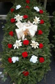 Christmas Grave Decorations Cemetery Blankets And Wreaths