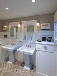bungalow bathroom ideas how made small bungalow bath look bigger tile