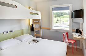 chambre hotel ibis ibis budget hôtels 2 étoiles à pourçain sur sioule