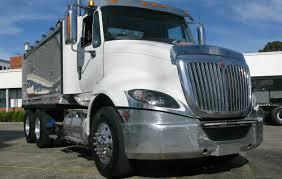 treloar transport opts again for international trucks behind the