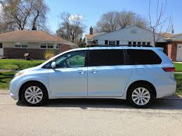 toyota sienna all wheel drive toyota sienna gives minivan an edge chicago tribune