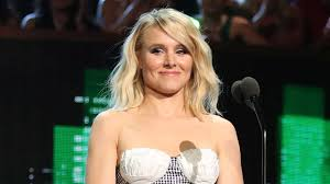 Kristen Bell by Kristen Bell Proves She Doesn U0027t Need A Teleprompter During Pro