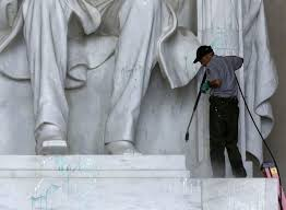 lincoln memorial paint vandal caught on video police seek person