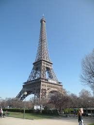 paris and the eiffel tower 12months2go