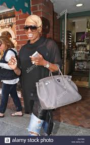 nene leakes leaves beverly hills nail salon in fashion and with a