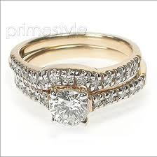 ring weeding which to wear engagement ring and wedding band on