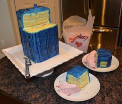 christopher cooks tardis cake it u0027s bigger on the inside