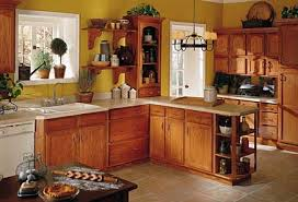 Yellow Kitchen Cabinets What Color Walls Oak Kitchen Cabinets Yellow Walls No Matter How I Try
