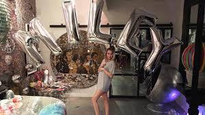 Miley Cyrus Turkey Meme - is miley cyrus pregnant fans freak over bump photo hollywood life