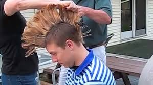 older men getting mohawk haircuts videos man cuts off his mohawk with chainsaw and garden shears daily