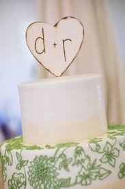 aberrant ornaments makes replicas of your wedding cakes