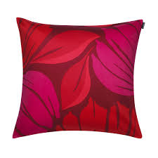 Red Pillows For Sofa by Red Throw Pillows For Sofa 15 With Red Throw Pillows For Sofa