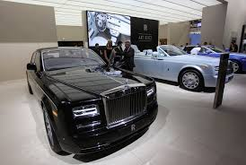 rolls royce dealership rolls royce rolls to record sales u s 1 again