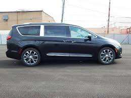 jeep dodge chrysler 2017 2017 new chrysler pacifica limited at triangle chrysler jeep dodge