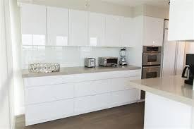 cuisine mur cuisine mur meuble blanc 2 indogate commode chambre