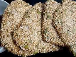 cuisiner cru 70 recettes food crackers crus multigraines recette vegan lilizen cuisine
