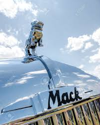 up of the bulldog ornament on a antique mack truck