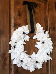 How To Make Halloween Wreaths by Diy Halloween Wreath How Tos Diy
