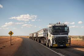 volvo trucks youtube volvo trucks 175 tonnes road train through the australian