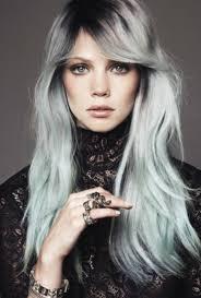 Frisuren Lange Wei゚e Haare by Kühle Haarfarben In Mehr Als 70 Fotos Archzine
