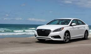 reviews for hyundai sonata 2016 hyundai sonata hybrid in drive review autonxt
