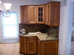 Kitchen Design York by Furniture Oak Yorktown Cabinets With Ventahoods And Merola Tile