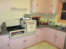 1940s kitchen cabinets 1940 s kitchen can i just saw that that the stove and oven are