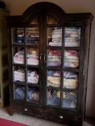 Quilt Storage Cabinets Quilt Cabinet Quilts Decorating Your Home Pinterest Quilt