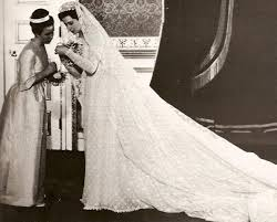 wedding dresses kent princess alexandra of kent on wedding day 1963 with chief