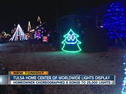christmas lights in tulsa ok jay perkins oklahoma light display tulsa man choreographs 25k
