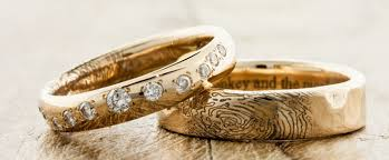 wedding band photos do you to wear a wedding band everafterguide