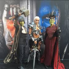 jamie lee curtis rolled into the warcraft premiere in orc cosplay