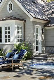 looks darling exterior color is lovely with crisp white trim