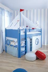 Boat Bunk Bed Theme Style With Cool Bed Themed Ceiling