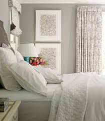bad pin but like the gray walls white bedding with duvet