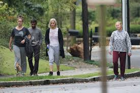 Jennifer Lawrence Home by Jennifer Lawrence Walking Her Dog 03 Gotceleb