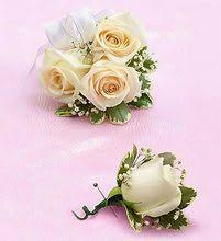 where can i buy a corsage and boutonniere for prom white corsage boutonniere homecoming flowers prom flowers