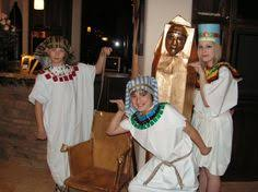 Egyptian Halloween Costume Ideas King Tut Headdress Tutorial Scholastic Book Fair Ideas