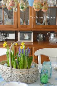 easter dining room decor in bloom