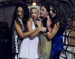re watching every u0027pretty little liars u0027 halloween episode in one